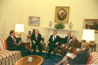 Meeting of President Clinton, Binyamin Netanyahu, and Arafat in Wye Plantation, 15/10/1998.
